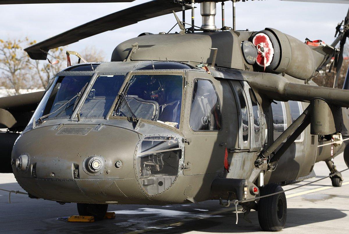 UH-60 http://jackowlew.pl                           @1BLTr_Warszawa @Jakub_Stefaniak @SilyPowietrzne @MocSwidnika @KonradStasiczak @WosztylArtur  @banan_awaryjny @Zgubek