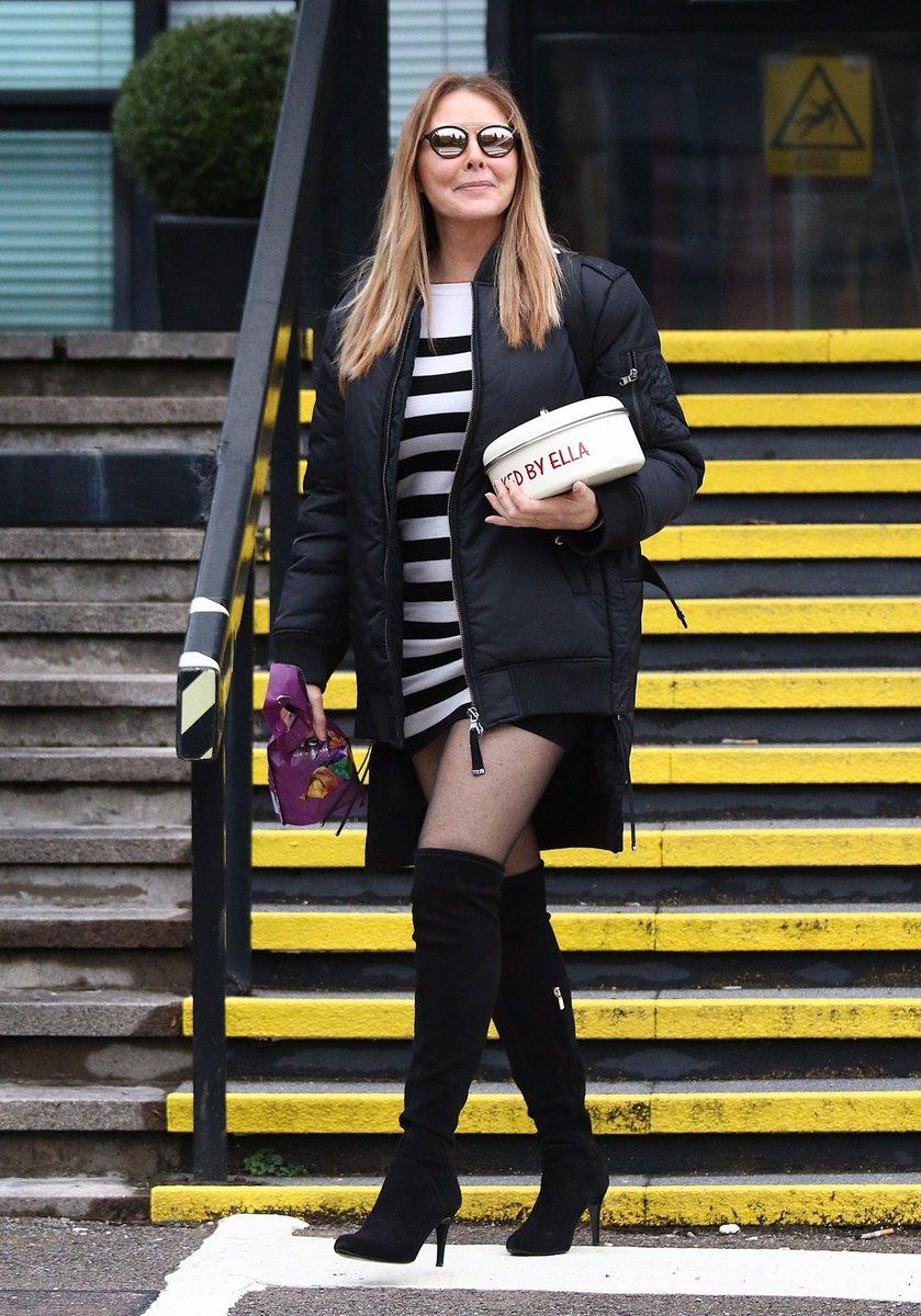 One of the goddess #Milf's #CarolVorderman still dressing to show off what  she has. Love it #Sexy #Milf #Legs #FMB #Tights pic.twitter.com/DJMWSlF2uf