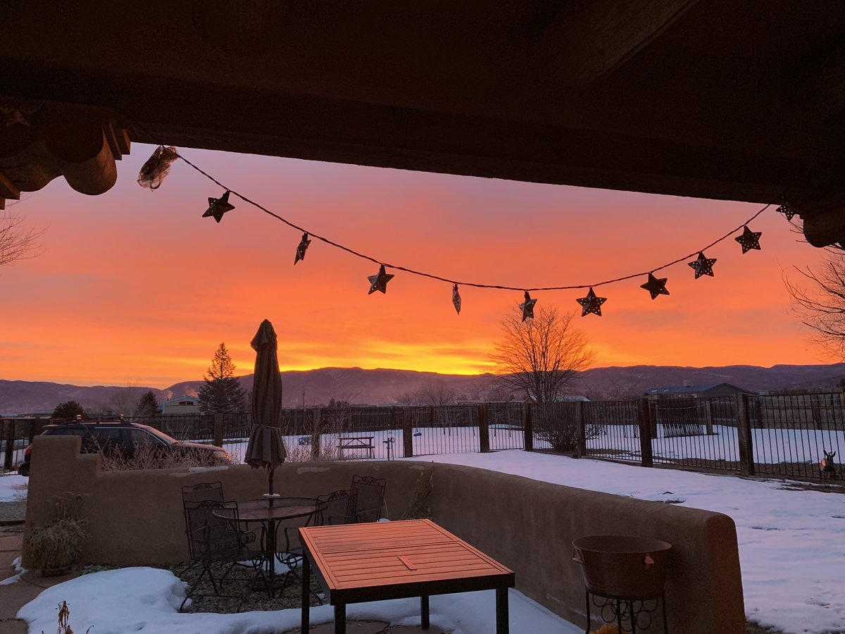 Spectacular sunrise shot from Taos, New Mexico! 📸: Debbie Tapia @KOB4 #nmwx #NewMexicoTRUE
