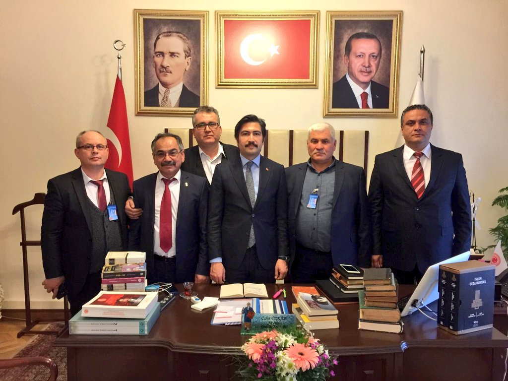 Denizli Tamirciler Ve Tornacılar Odası Başkanı Süleyman Akşit Ve Yönetimi Kurulu Üyeleri Şakir Barlın, Hidayet Sıtkı, Hasan Özkan ve İsmail Akgün'e nazik ziyaretlerinden dolayı teşekkür ediyorum.