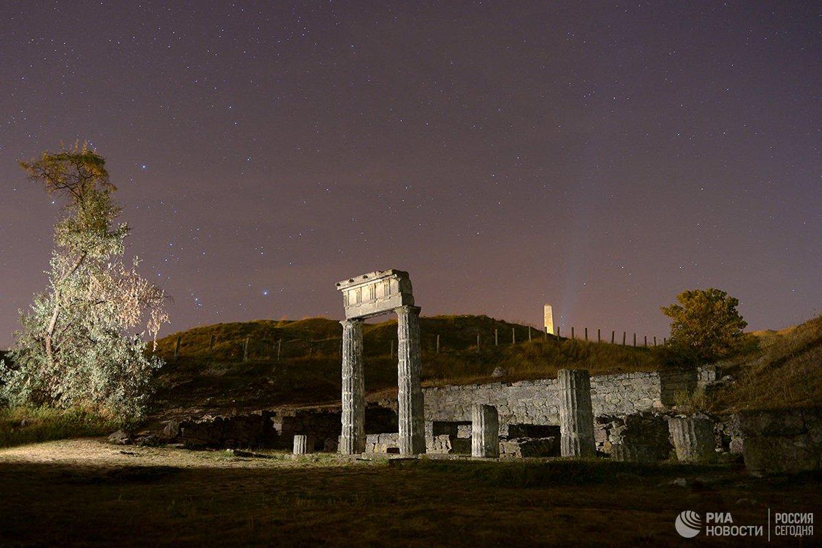 В Керчи колонны античного города демонтировали из-за опасности обрушения  https://t.co/RcrxSofKuf