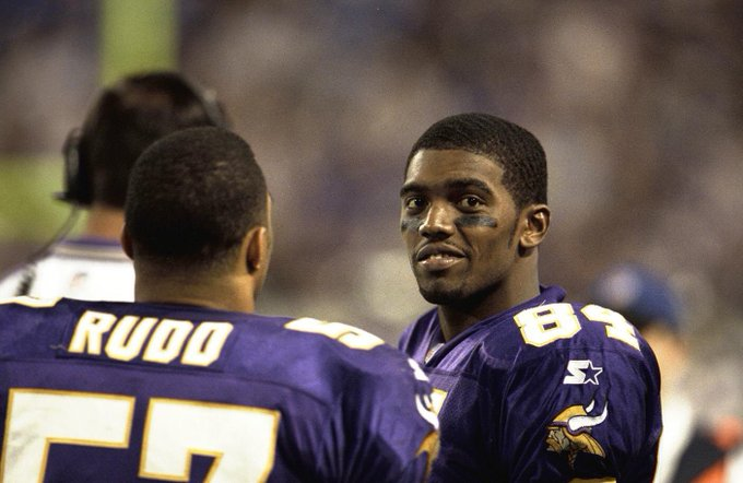 Happy Birthday to the legendary receiver that is Randy Moss!