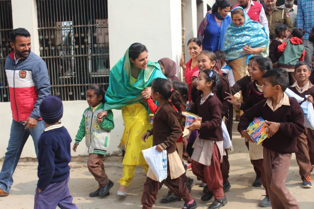 Happy of see priceless smiling faces of children#Shoe donation campaign #Aasraa#Giving back smiles