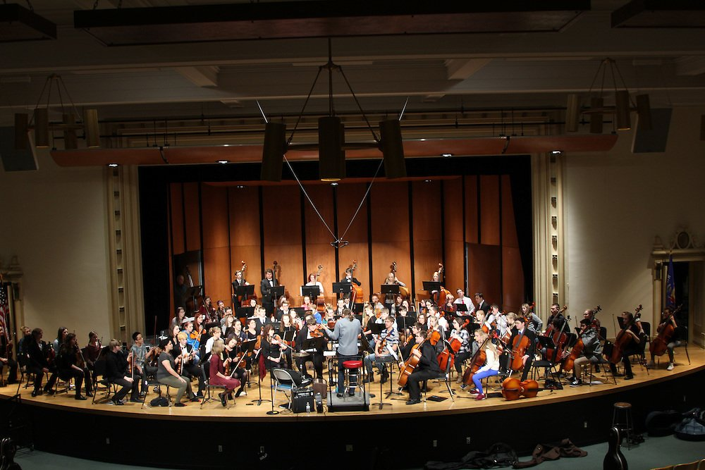 More than 70 student musicians from Superior High &amp&#x3b; Middle schools for a free performance with the UW-Superior Orchestra for String Day on Tuesday, Feb. 19, at 7 p.m. in Thorpe Langley Auditorium. https://t.co/ooPHX5sGX9 https://t.co/i4Up2mq8nE