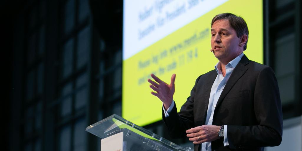 """""""When it comes to the future of transport, we need to start with the customer,"""" Shell Executive Vice President Global Commercial Huibert Vigeveno at @MOVE_Event 🚗 #MOVE2019 #MakeTheFuture https://go.shell.com/2GokxMf"""