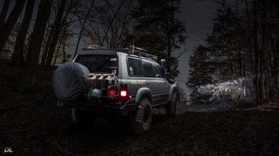 The best adventures begin without a road : @johnvmascarinas #hpsperformance #buildsomethingamazing #toyota #landcruiser #toyotalandcruiser #fj80 #80series #3fe #fj80series #landcruiser80 #landcruiserclub #landcruiser80series #offroad  #4x4 #overland  #offroad4x4  #lx450pic.twitter.com/xyCEH44zB0