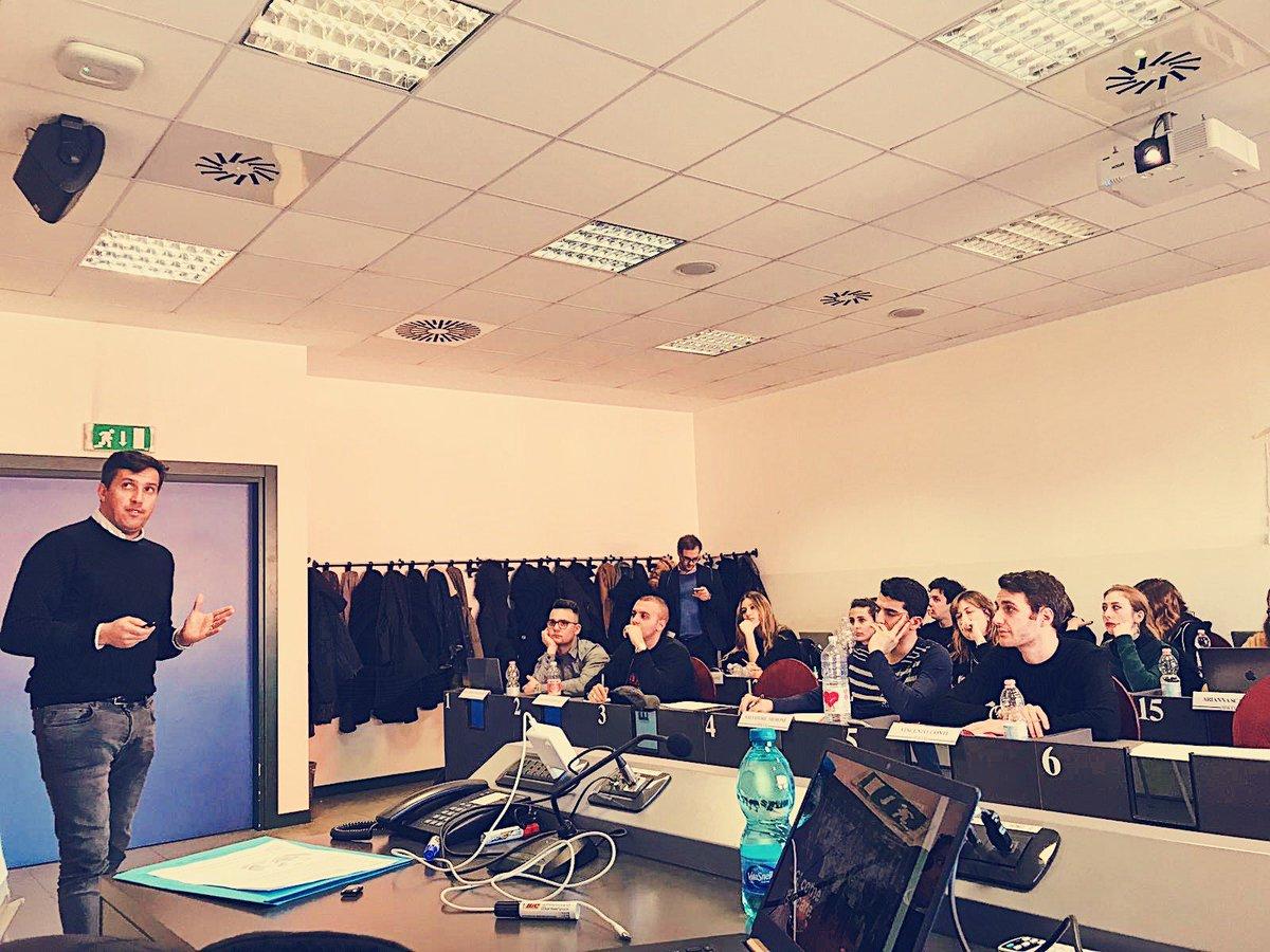 Il nostro CEO Michele Budelli ha incontrato i ragazzi dell'@uniiulm. Gli studenti del Master in Retail Brand & Sales Management collaboreranno con Campus Fandango Club per la realizzazione di un progetto da presentare al @FranchisingMI.  #CampusFandangoClub https://t.co/yrzcsCLUM4