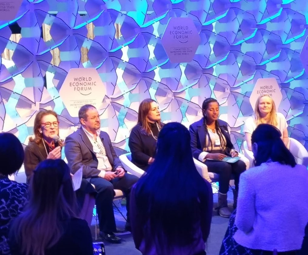 Throw back to joining an amazing panel of speakers at the @worldeconomicforum AM, discussing inclusive education opportunities leaving no one behind,  with Yetnebersh, Andria Zafirakou, David Edwards & Henrietta Fore, Executive Director at UNICEF. I learnt so much from them all..