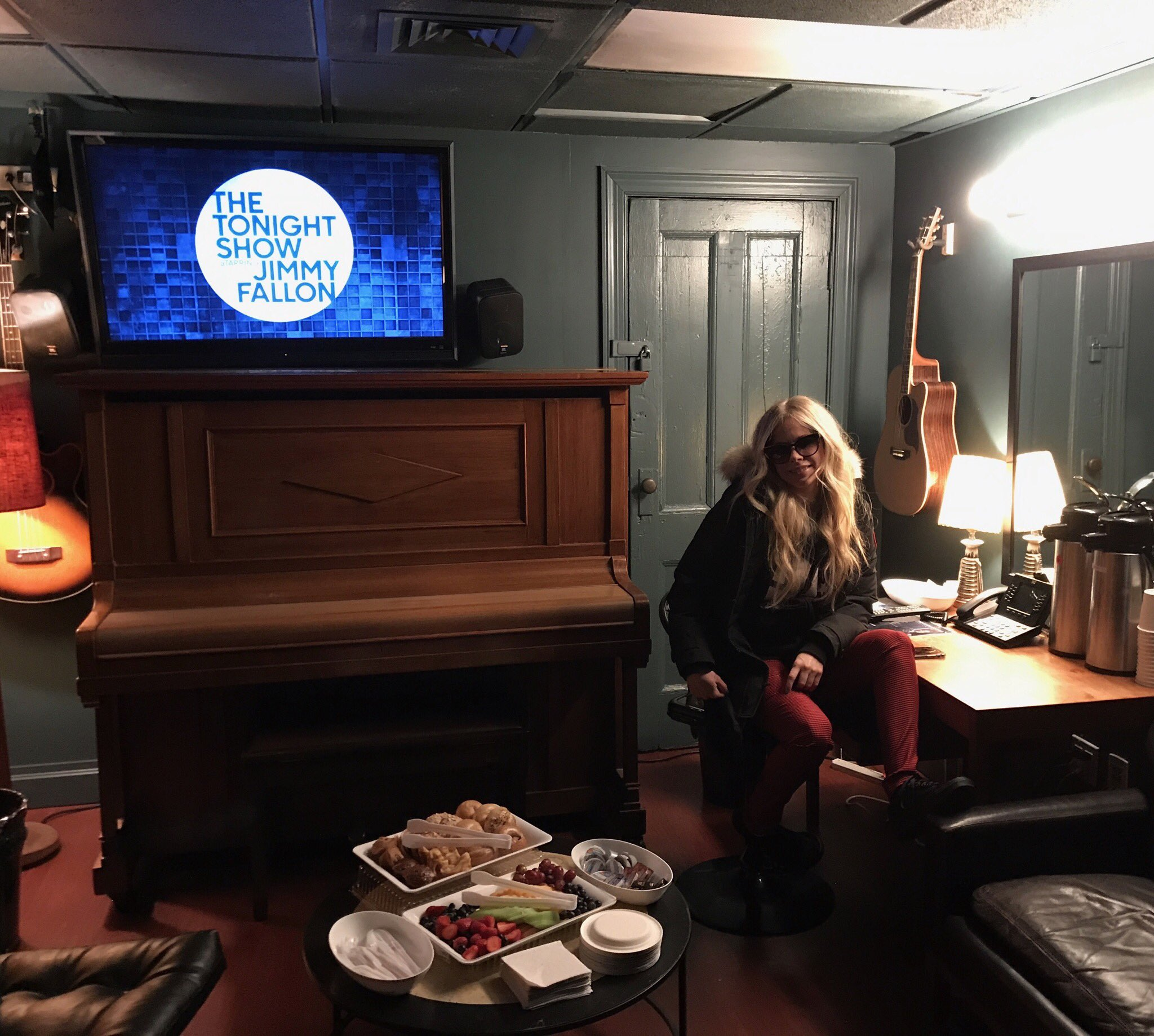 I'm performing on The Tonight Show tonight!!!! Tune in! @fallontonight https://t.co/GpmeoDGJpA