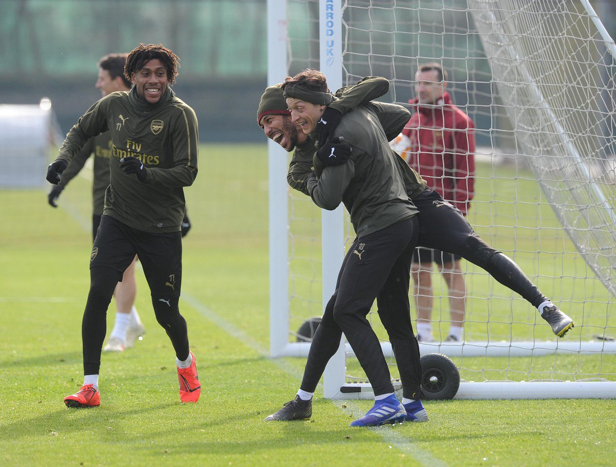 Today's winning team 😁😎👌🏼 Training fun 💯🔥#teamspirit #WeAreTheArsenal #YaGunnersYa #COYG #M1Ö @Arsenal