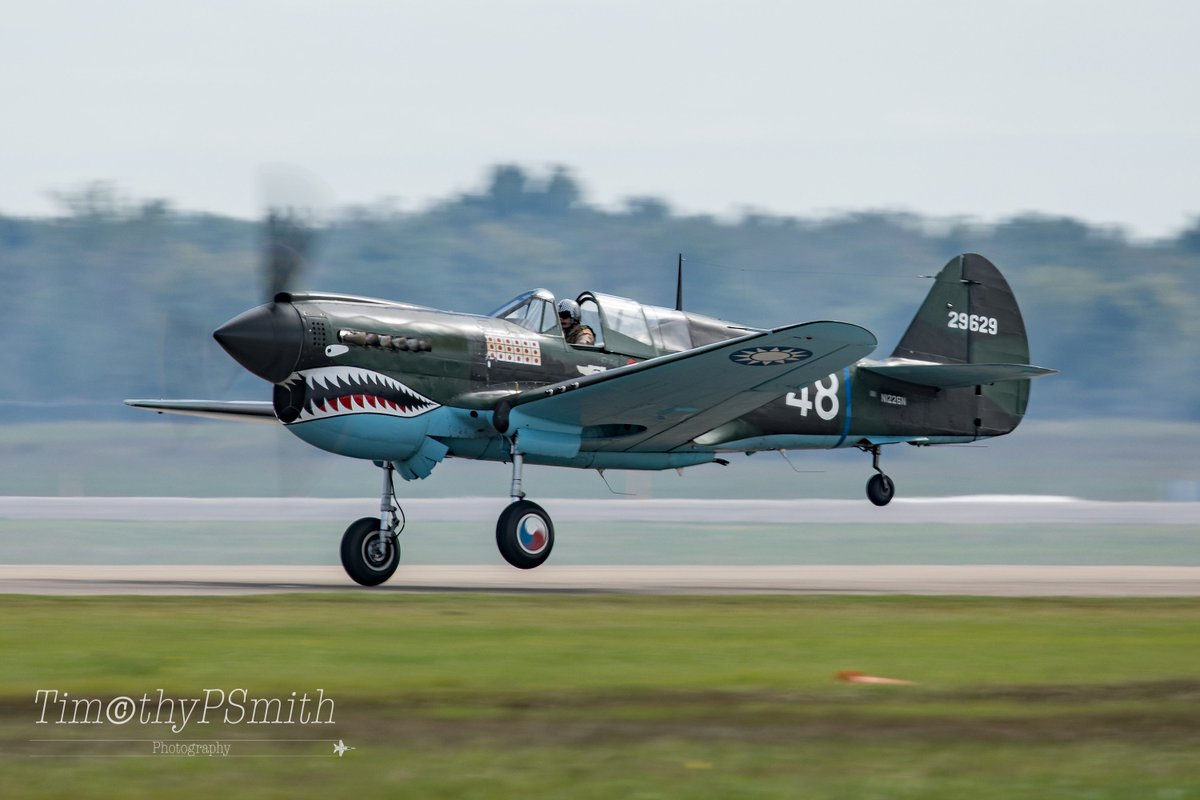 #WednesdayMotivation In Pursuit of the Weekend  Commemorative Air Force's P-40 Flying Tiger A one-wheel take off! In a Scramble to intercept  #ToraToraTora  #WingsOverHouston2018 #Sharkmouth  #P40 #Warhawk  #AVgeek  #Warbird #MilitaryAviation  #AviationPhotography 🇺🇸