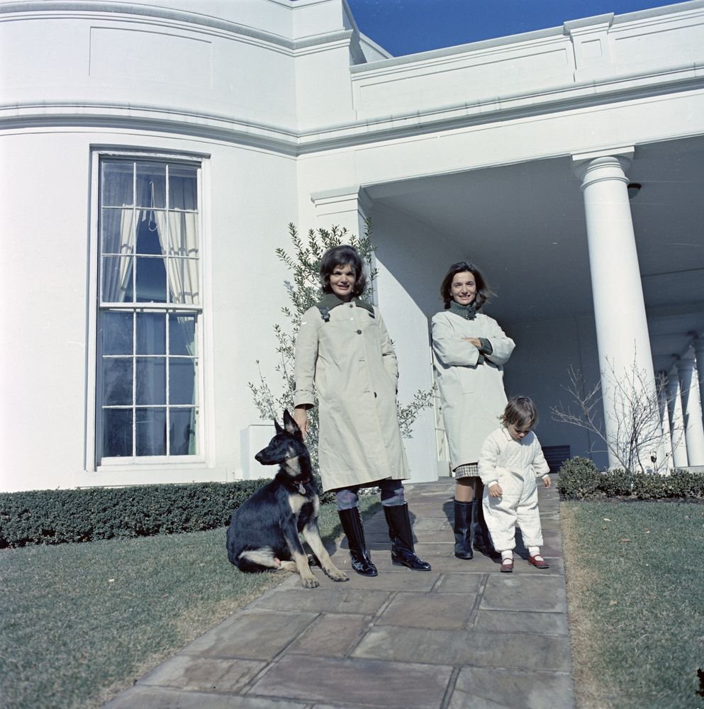 Happy #GalentinesDay! Who will you celebrate with?    Jacqueline Kennedy and her sister, Lee Radziwill outside the Oval Office in January 1963.  http:// bit.ly/2EGkTg3  &nbsp;  <br>http://pic.twitter.com/REq7eFxPCT