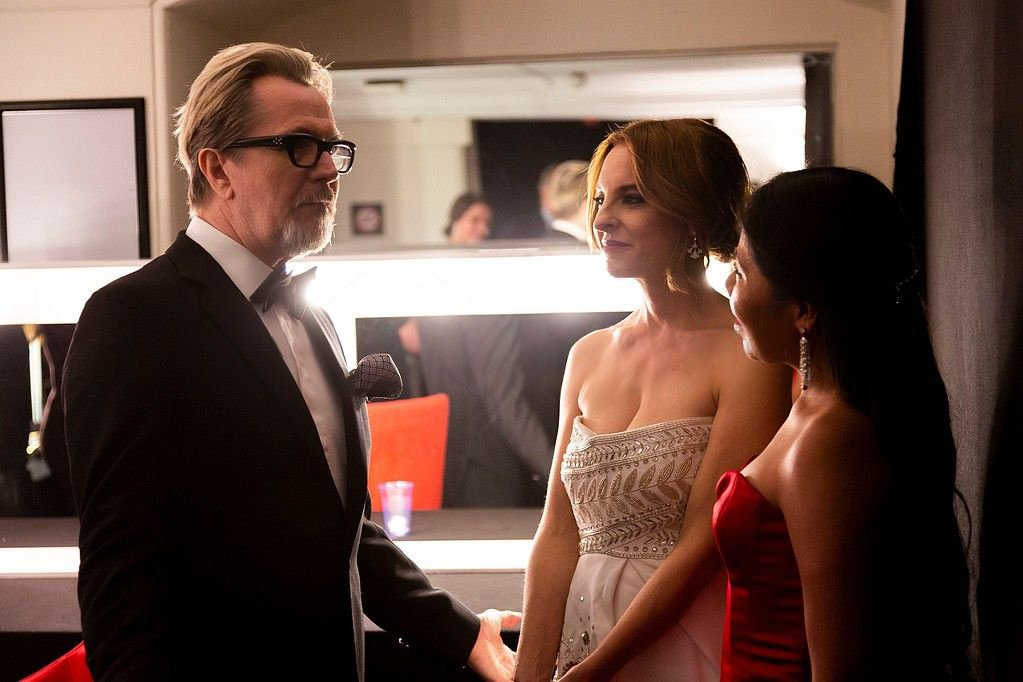 #BAFTA  backstage: Gary Oldman with the ladies from &#39;Roma&#39;, Marina de Tavira and Yalitza Aparicio Photo by Jamie Simonds #RomaMovie #awards<br>http://pic.twitter.com/WseNIt2b5D