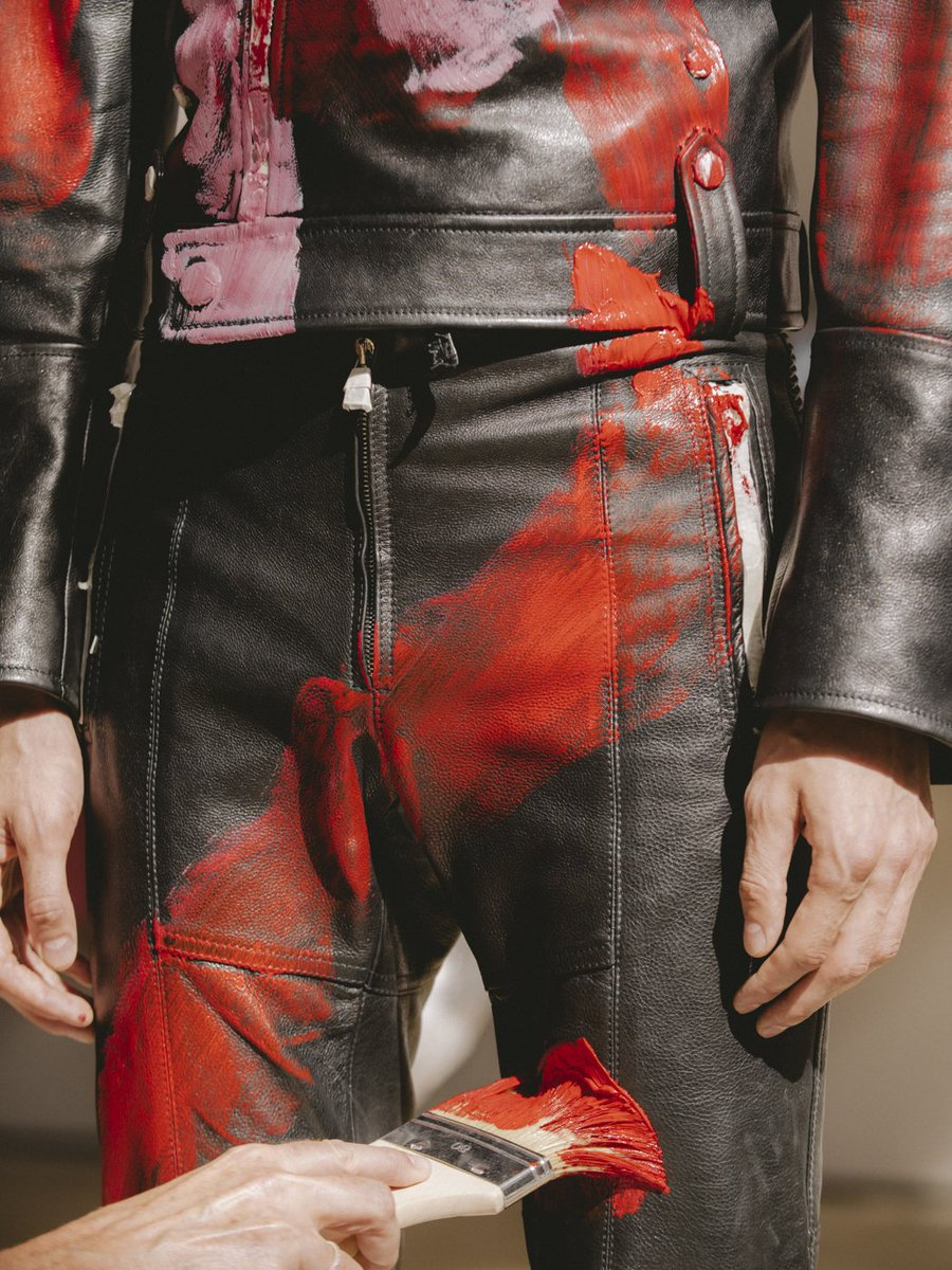 Zipped biker trousers, hand-painted in the atelier before the Spring/Summer 2019 menswear show. Explore: https://t.co/ZnIcZgSFx4 #McQueenMenSS19  #AlexanderMcQueen