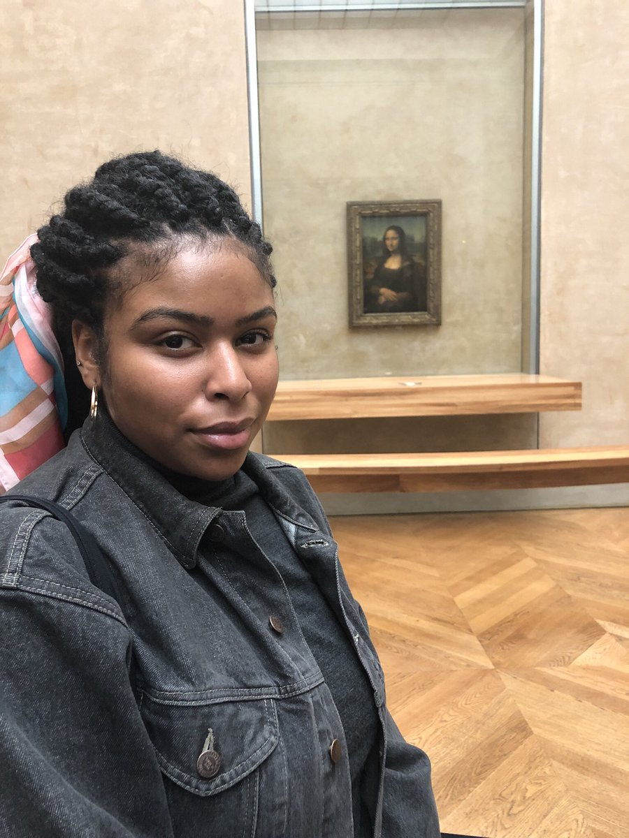 I want to start a thread: Black girls in front of the Mona Lisa. I'll start.