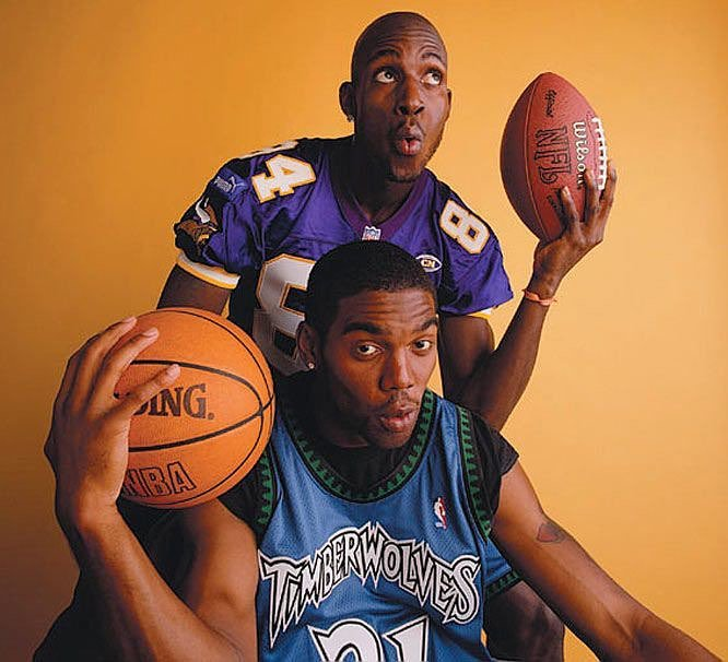 Randy moss looks like Straight Cash Homie. Happy 42nd Birthday,