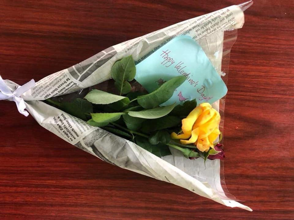 No Valentine's gift could be more touching. These are the roses jailed reporter Wa Lone sent from prison in Myanmar for his wife Pan Ei Mon. #FreeWaLoneKyawSoeOo #JournalismIsNotACrime