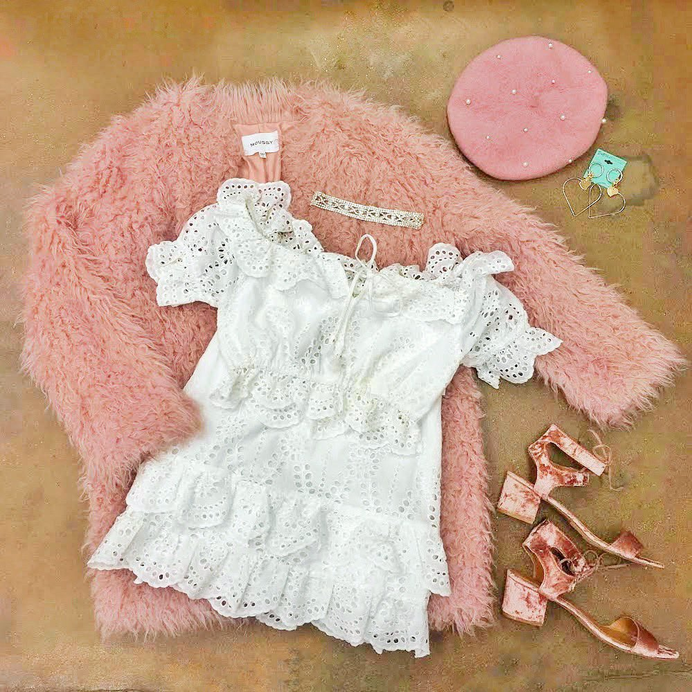 Feel warm and fuzzy inside and out with a sweet pink teddy coat and matching accessories from #BuffaloExchange #Houston! #WinterFashion #WinterStyle #ValentinesDay #ValentinesDayLooks #BEMyValentjne #Galentines #DateNight #DateNightLooks #Beret #Teddy #TeddyCoat