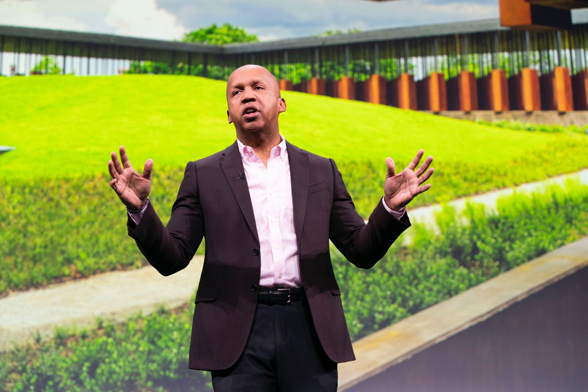 Thank you to Bryan Stevenson for visiting Apple Park today and for sharing your vision of a truly equal and just future. @eji_org #BlackHistoryMonth 
