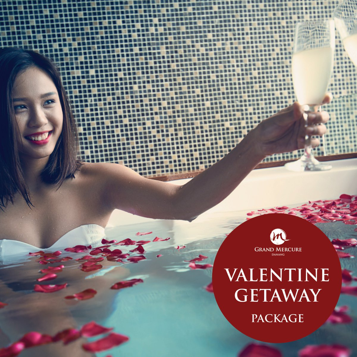 Indulge in a luxurious stay at @GrandMercure_DN this #Valentine's Day with exclusive package for you and her.. - 1 night in Deluxe room with breakfast - In-room romantic set up - Access to privilege lounge - Valentine Dinner for 2 on 14.02.2019 - 40% OFF for all Spa treatment https://t.co/rAhheZ3H2q
