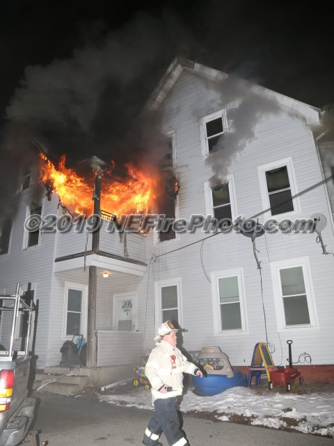 PHOTOS have been added from tonight's 5th Alarm in #Whitman MA. http://www.pbase.com/strikethebox/021319whitman…