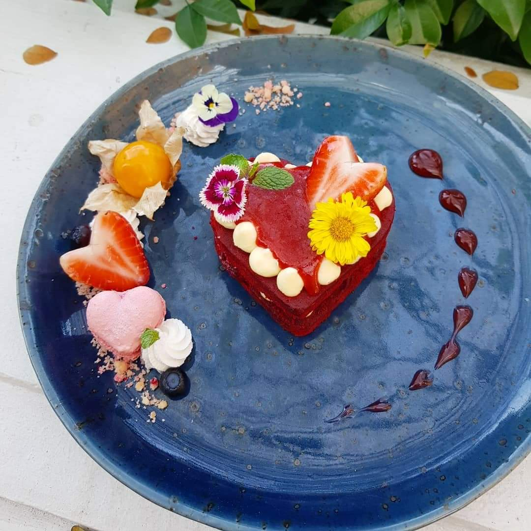 &quot;There is no love sincerer than the love of food.&quot; ~ George Bernard Shaw Happy Valentine&#39;s Day!! #nanirandromanticboutiqueresort #dusitd2 #อร่อยบอกต่อ #reviewchiangmai #hillkofflearningspace   #tealeaflab #spoonandforkmag #citylifechiangmai #wongnai #วงใน #HappyValentinesDay<br>http://pic.twitter.com/0pvUbEZALg
