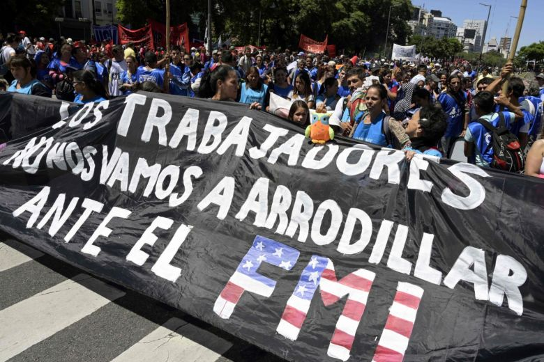Thousands #protest in cities across #Argentina pushing for 'food emergency' declaration https://t.co/o4HmIsvHDJ