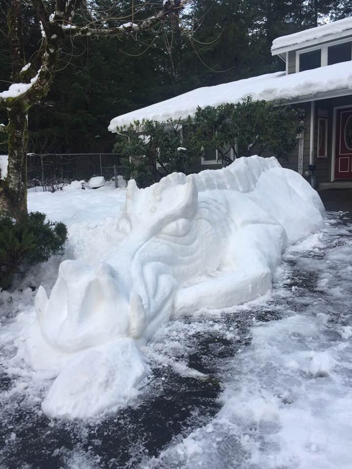 When #SnowMageddon2019 puts your construction business on hold, build something you must! Brad of Shelton got cabin fever since the snow prevented him from working, so he worked on this amazing Snow Dragon instead. It's 10 feet long—fantastic! #SeattleSnow #WAwx<br>http://pic.twitter.com/uTRiuC5r59