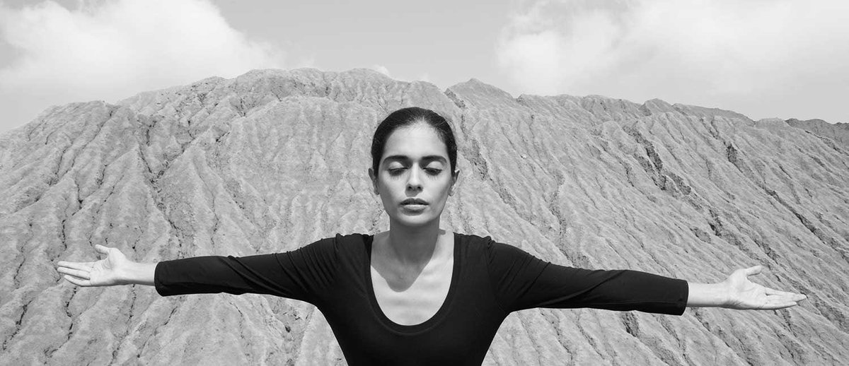 I will greet the SUN again.  https://www.thebroad.org/art/special-exhibitions/shirin-neshat-i-will-greet-the-sun-again … @TheBroad   #Iranian #artist  ©️Shirin Neshat