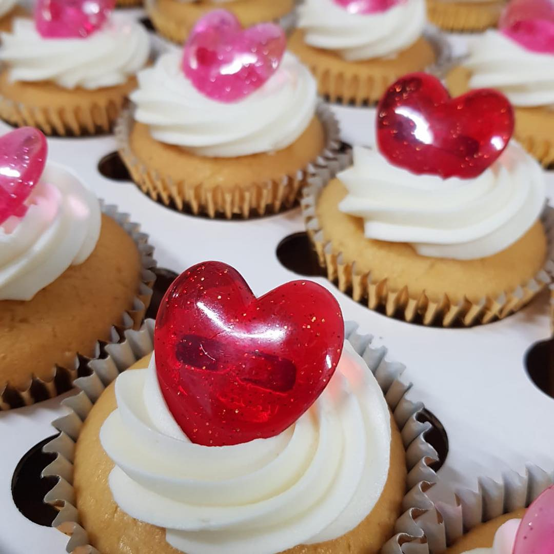 test Twitter Media - Who was lucky enough to bag some Valentines Cupcakes? #valentinesday #cupcakes #heart #love #swansea https://t.co/51Ez6WTHXS