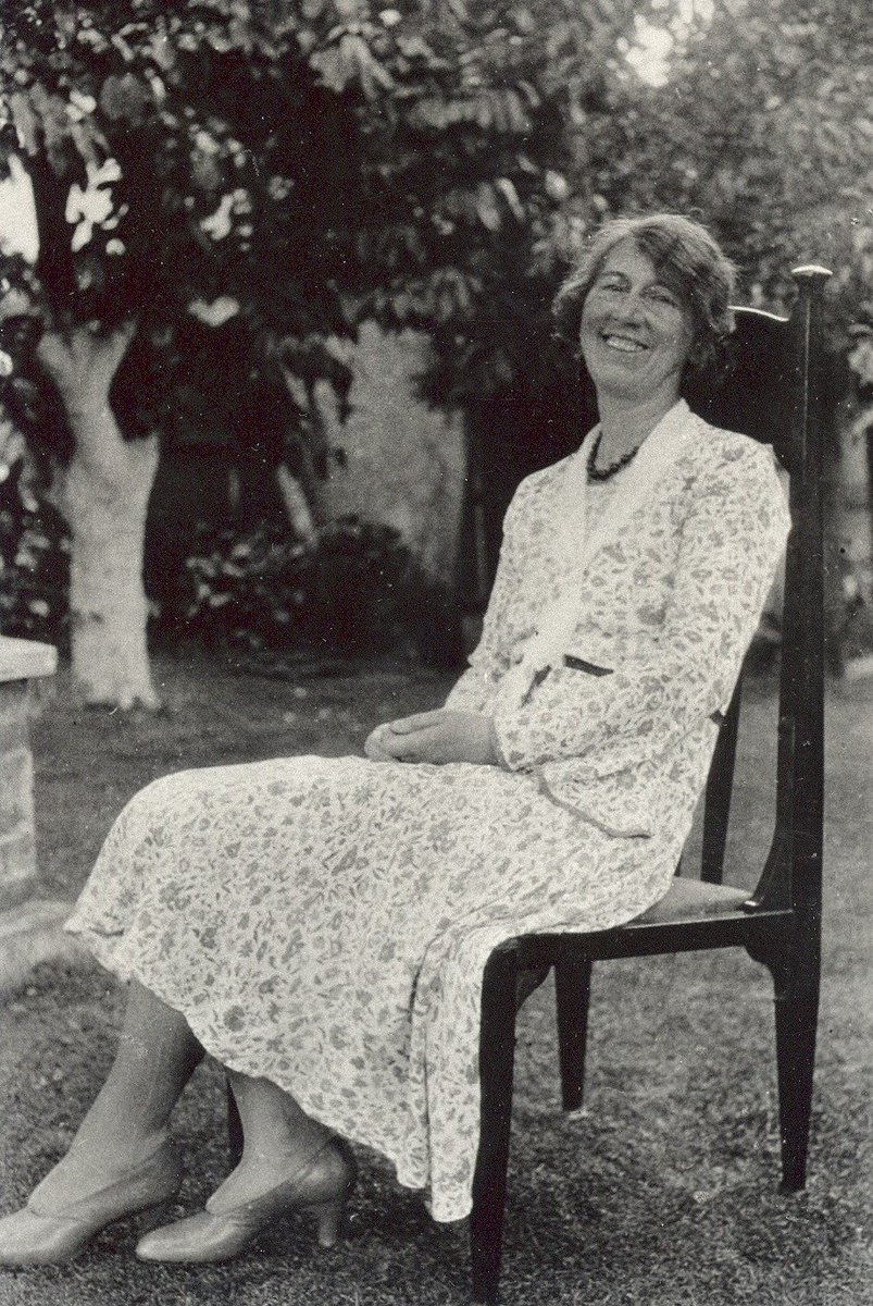 February's #ObjectoftheMonth tells a small part of a very special local love story - Frank and Florence Dickinson who designed and built their own house at the turn of the C.20th. Here's Florence sitting in the chair Frank made for her.   Read more here: http://socsi.in/DKdr7