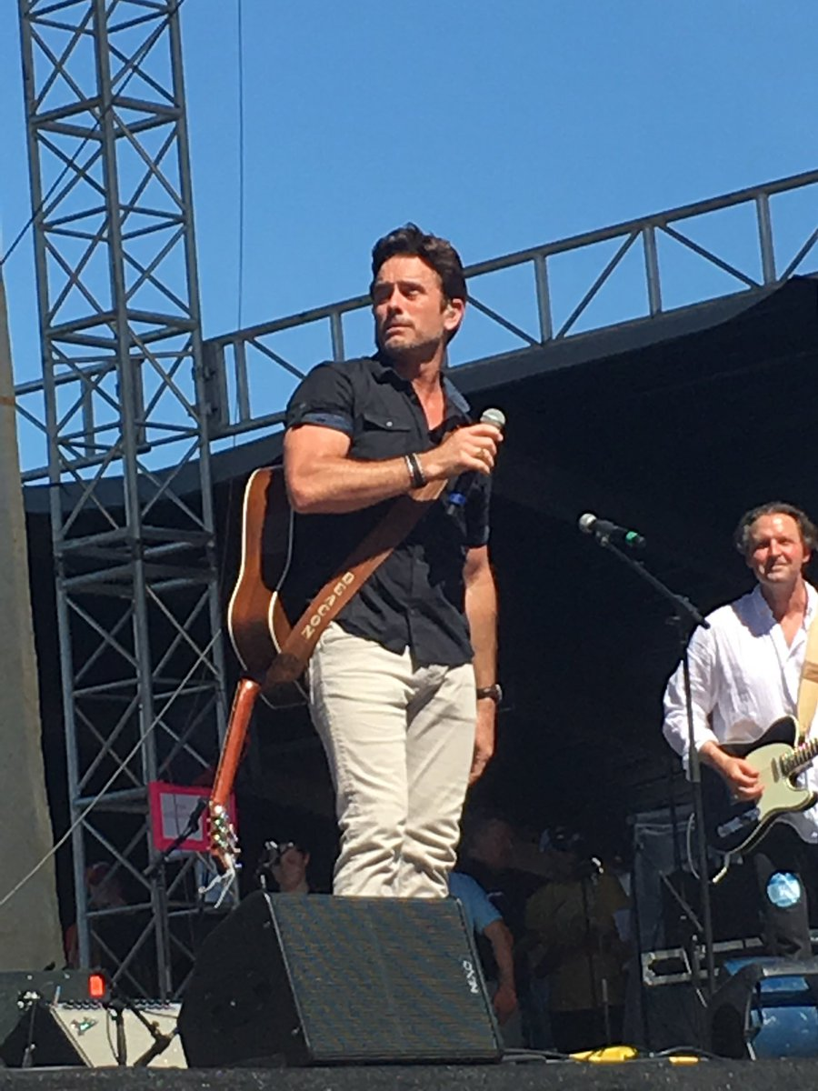 #tbt because I'm dreaming of summer, CMA fest 2019, and lots of @CharlesEsten shows🌟 And this just happens to be the same summer CMT renewed #Nashville Looking forward to all of this crazy fun sometime soon!!