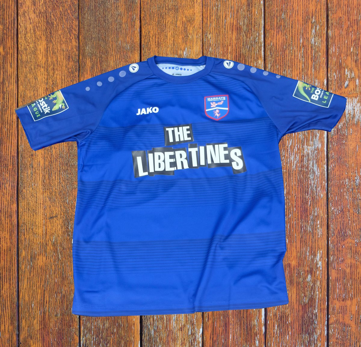 Fancy winning a #Margate shirt signed by The @Libertines? 👕  As it's #ValentinesDay we thought we'd share the 💙!   Follow➕RT for your chance to be presented with the shirt before kick-off on Saturday.  ⭐️ Winner must be able to attend home game on 16.2.18  #InThisTogether 🔵⚪️