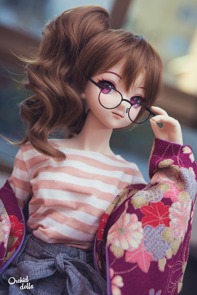 🍰 Kanna is in the air! ~ #HappyValentine 🌺  #dollfiedream  #ドルフィードリーム #Kanna #volks #dollphotography #megane