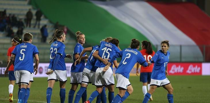 #Nazionale #Femminile🇮🇹 Doppio test per l'#Italia: il 5 aprile in Polonia🇵🇱, il 9 a Reggio Emilia con la Repubblica d'Irlanda🇮🇪  ➡️ L'articolo: http://bit.ly/2X3DE3t   #VivoAzzurro