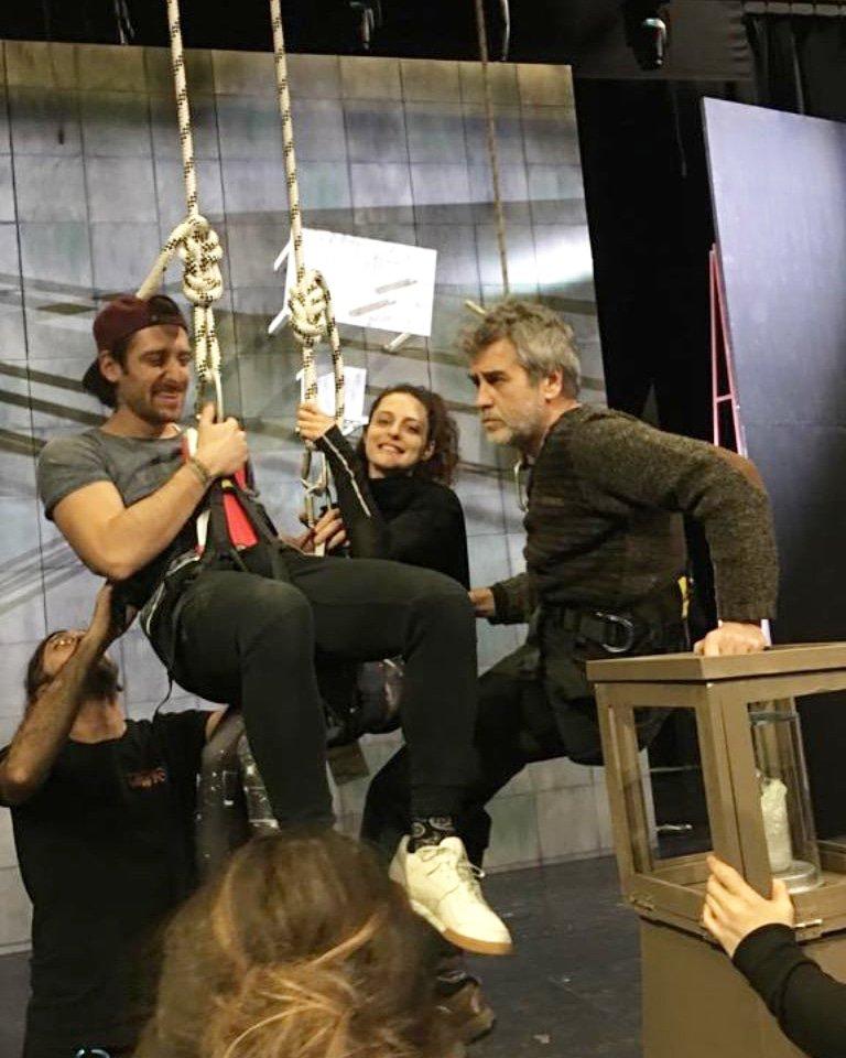 #BirBankaSoygunuKomedisi tiyatro oyunu provaları 🎭 Sevgili @serensirin hikâyesinde paylaştı. 🙂 #SerhatTutumluer #SerenŞirince #BoraAkkaş