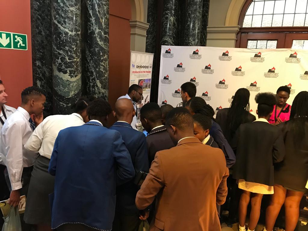 Day 4: #MZANZI4IR The learners visiting our stand at the 4th Industrial Revolution Expo @dstgovza @DMR_SA @CSIR @NRF_News @SAAO