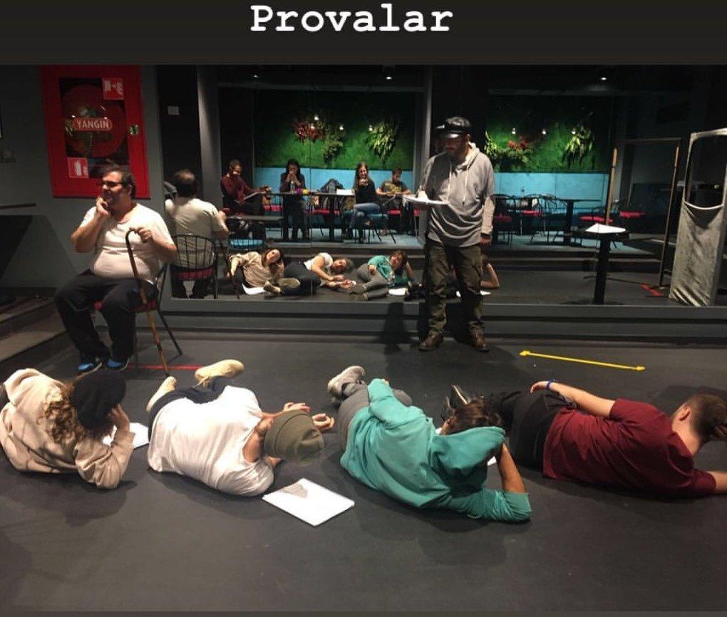 #BirBankaSoygunuKomedisi tiyatro oyunu provaları 🎭 Sevgili @serensirin hikâyesinde paylaştı. 🙂 #SerhatTutumluer #SerenŞirince #BoraAkkaş #DermanÇinkılıç #BekirÇiçekdemir #KubilayÇamlıdağ #GülizGençoğlu #MertAydın #UfukTevge #ŞafakKarali #AlicanAltun #AnılAltınöz #LerzanPamir