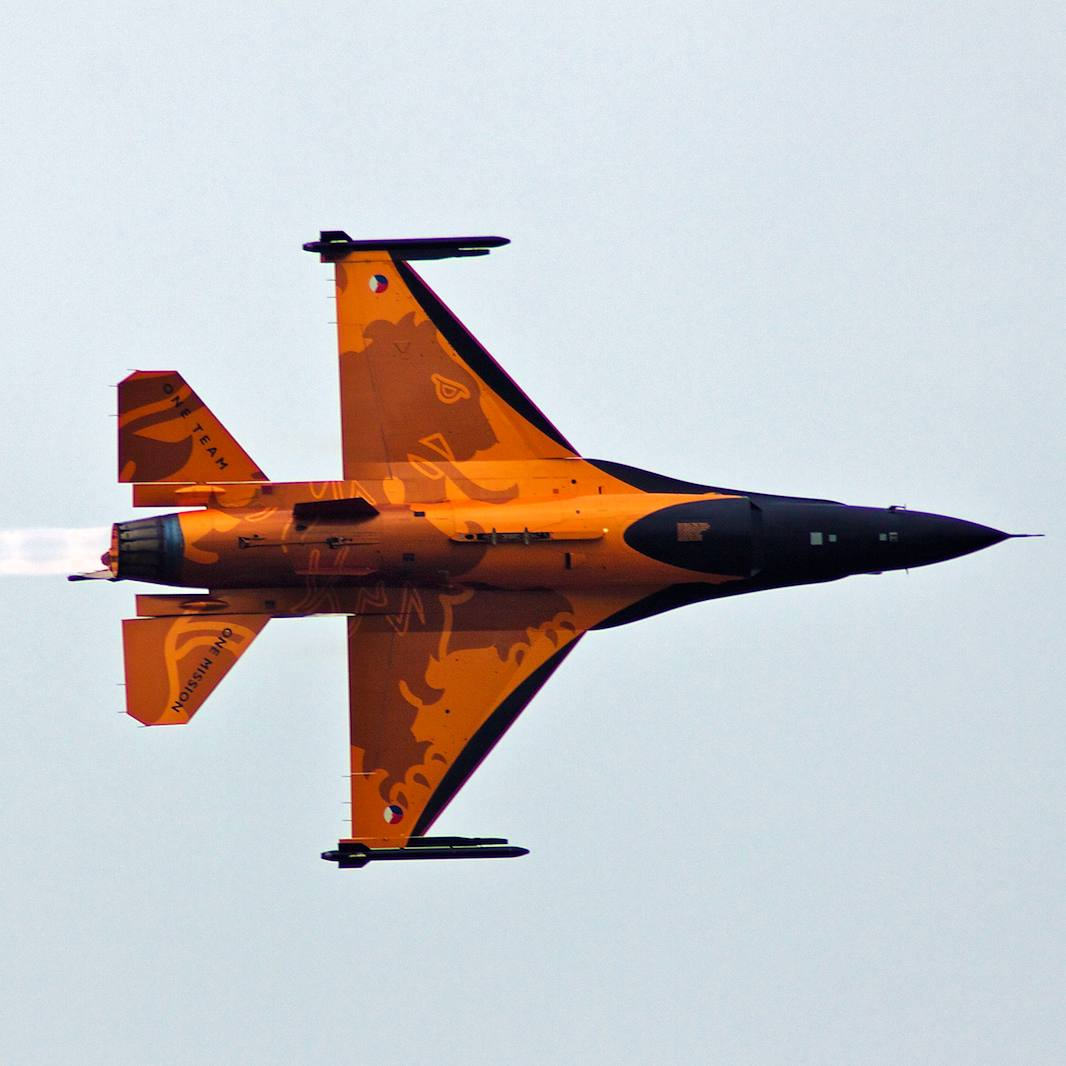 "Dutch F-16 ""Orange Lion""! . . . . . #F16 #Dutch #Netherlands #OrangeLion #F16OrangeLion #FighterJet #Fighter #pilot #FighterPilot #AirShow #Allies #Aviation #AviationPhotography #Aircraft #MilitaryMachine"