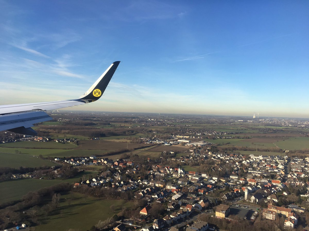 Da sind wir wieder. Der #BVB ist soeben in Dortmund gelandet.
