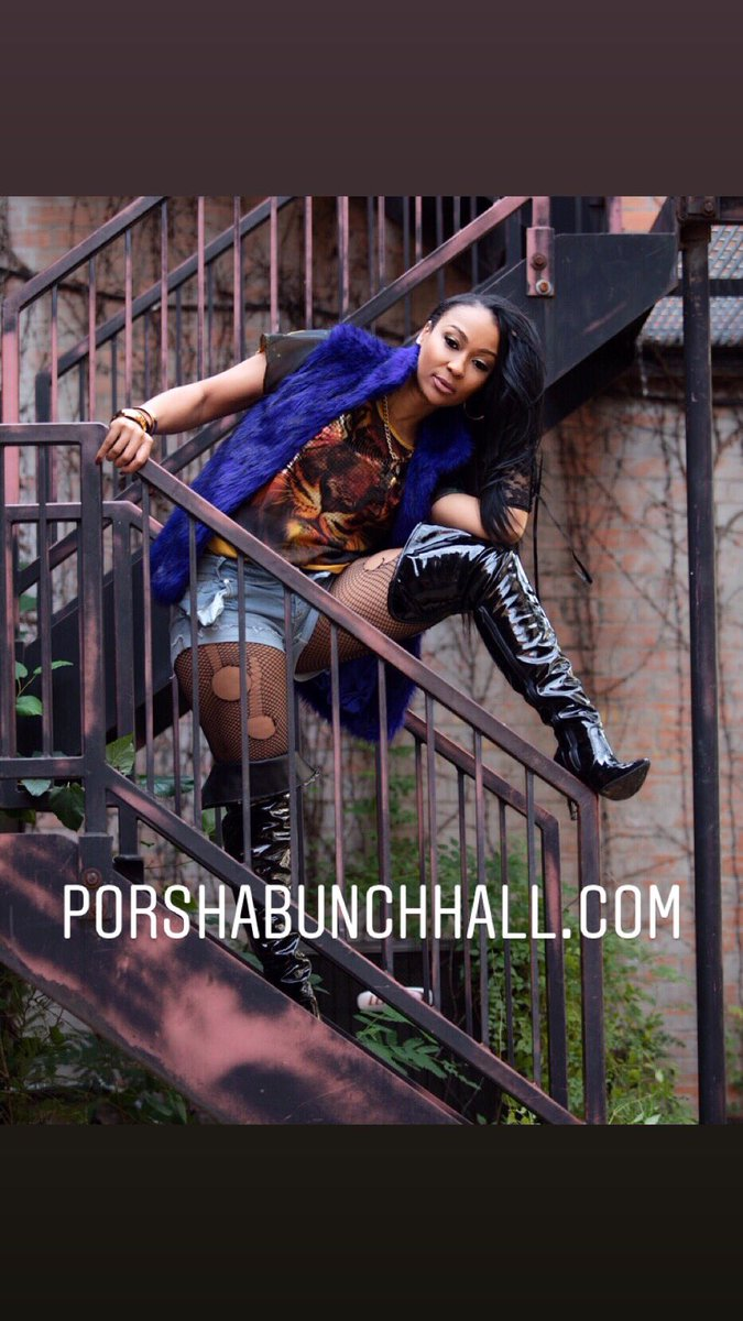 #happyvalentinesday This has nothing to do with valentines and everything to do with my website that just launched! Go check out http://www.porshabunchhall.com Link in bio! Thank YOU for Your Support! 2019 I'm Here! ❤️🥰💋🥰💋👊🏽💪🏽Special thanks to my team @shayjohnsonexec @OpulentPREM