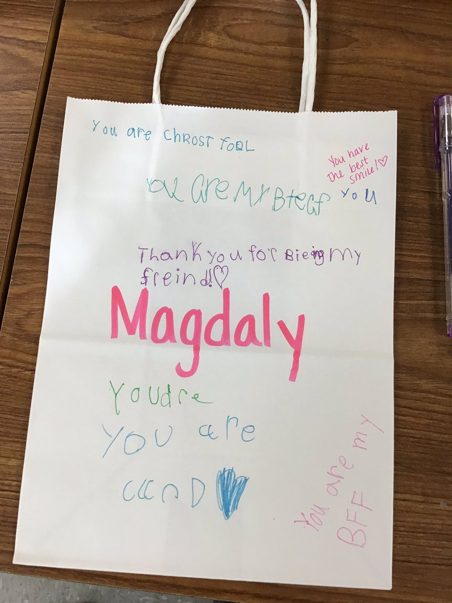 Want to know what's even better than all the hugs, cards, and candy I got today? The genuine compliments these kids left each other on their Valentine's compliment bags  #ImNotCryingYouAreCrying <br>http://pic.twitter.com/24uj4ilw4B