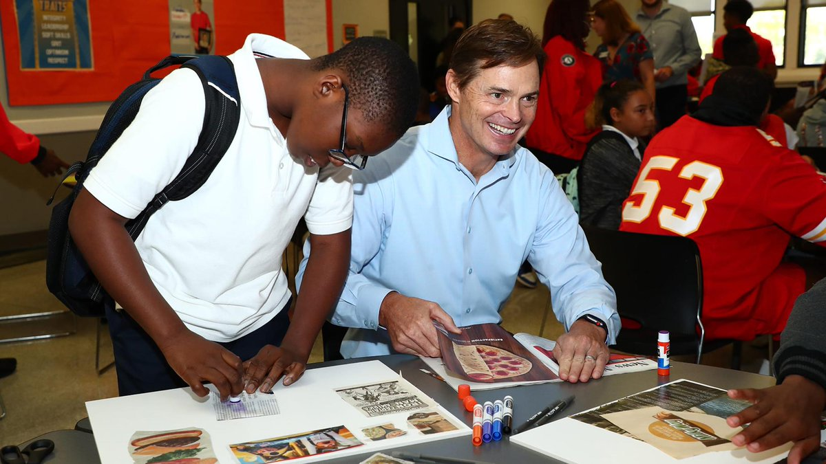 Chiefs President Mark Donovan receives National Service Award for his work with City Year Kansas City.  Congratulations, @MDChiefs!   📝 https://chfs.me/2S3vdRK