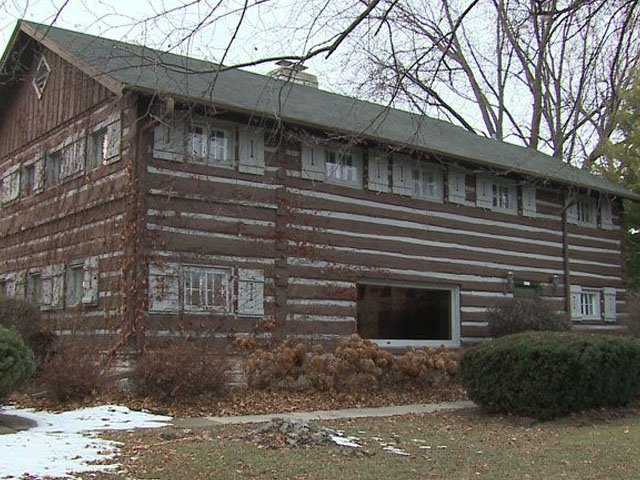 tosa log cabin