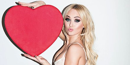.@misJORGIEPORTER 💋 💋 💋 lets all spread the love today #valentines #loveyourself #love #sharethelove #photooftheday #instalove #kisses