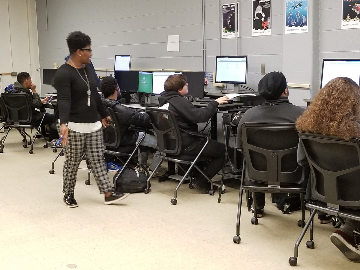 Thank you Mrs. Lawson for supporting the DE cyber security students through the transition! @tnccva @PhoebusHS1 @PhsAcademyCoach