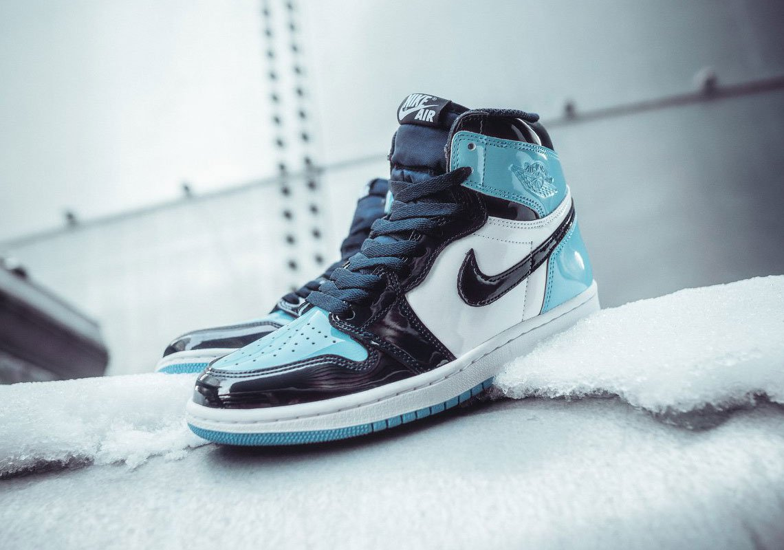 63709debb0f ... Air Jordan 1 Retro High OG 'Blue Chill'  Footaction:http://bit.ly/2Gn0huB Foot Locker:http://bit.ly/2RWb2p2  Champs:http://bit.ly/2Dy4Tds pic.twitter.com/ ...