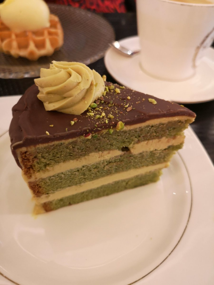 This #pistachio cake will be followed by a ten-day hunger regime, but luxury requires sacrifices. #choices  #BondStreet #London