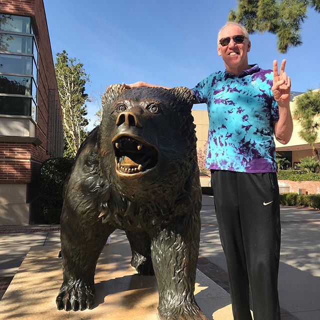 On the day that we celebrate the heart, I want to share a story about a very special man. Not a week goes by where I don't hear at least one story like this about @BillWalton. Read more here: https://hubs.ly/H0gCc4y0