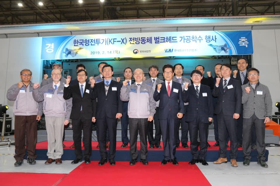 كوريا الجنوبية تعتزم شراء 20 طائرة إف-35 من واشنطن DzYRt37XgAASlYr